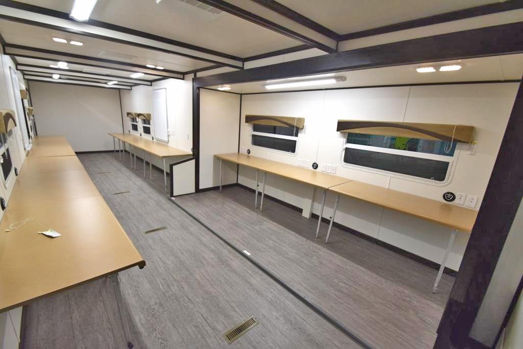 command trailer interior2